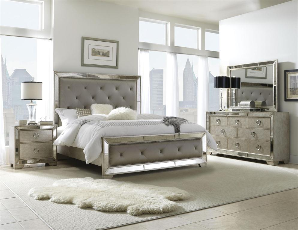 Pulaski Furniture - Farrah Collection